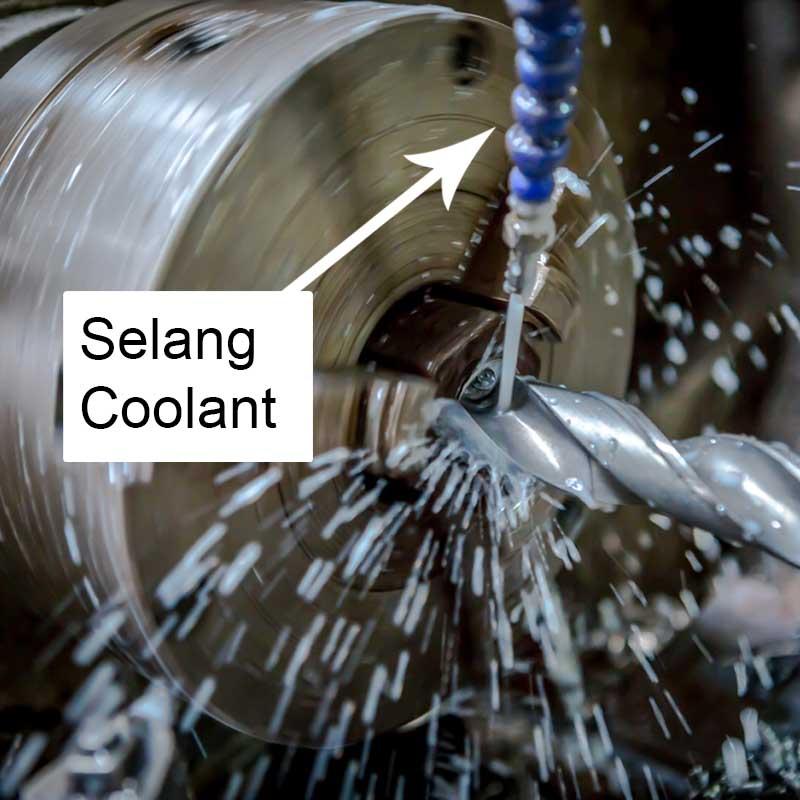 selang coolant mesin bubut