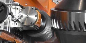 pembuatan roda gigi dengan cara gear hobbing
