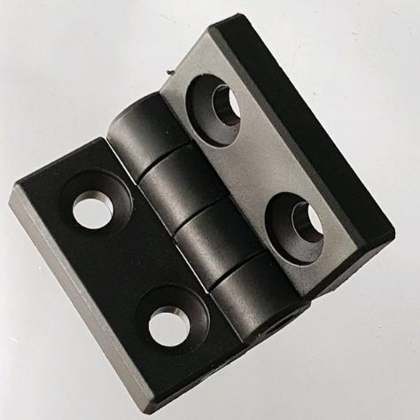 Engsel model panel
